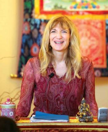 Lama Palden Drolma estime que la Vierge Marie, Kuan Yin, and Tara sont toutes des visages différents de la même énergie féminine éveillée.