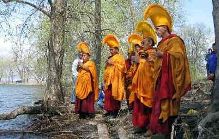 moines-bouddhistes