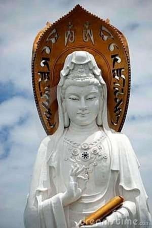 sanya-chine-visage-de-guan-yin-bouddha-15089111